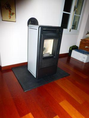 poele a granul s kaika air de mcz azur poele po les granul s po les bois. Black Bedroom Furniture Sets. Home Design Ideas