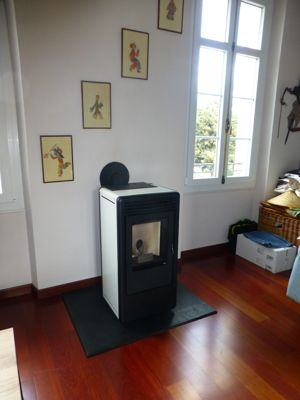 poele a granul s kaika oyster mcz azur poele po les granul s po les bois. Black Bedroom Furniture Sets. Home Design Ideas